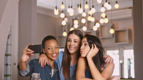 The Struggle of Friendships & SocialMedia